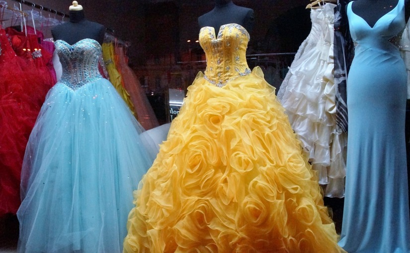 dress-1146503_1920.jpg