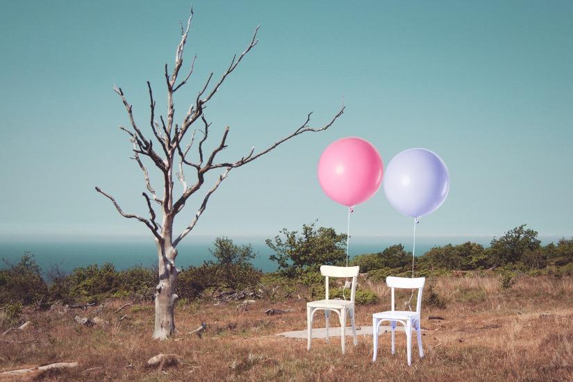 chairs-1940973_1920.jpg
